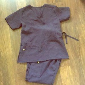 Wonderwink gray flex scrubs